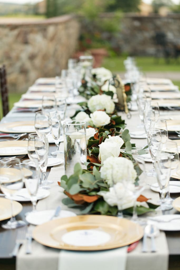 farmtable with magnolia leaf table runner