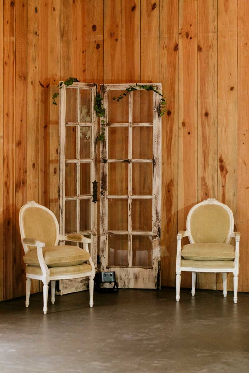 vintage furniture for wedding