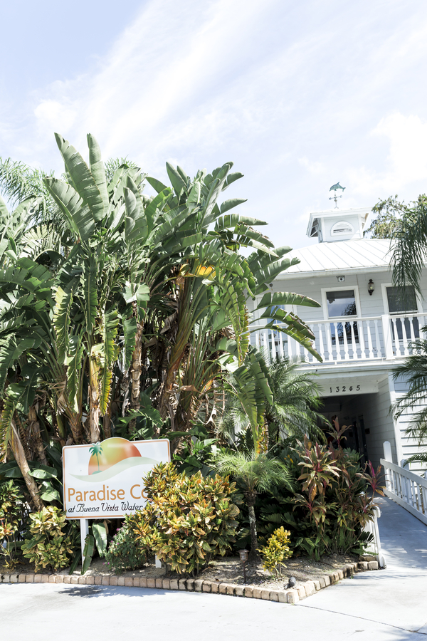 front view of Paradise Cove in Orlando
