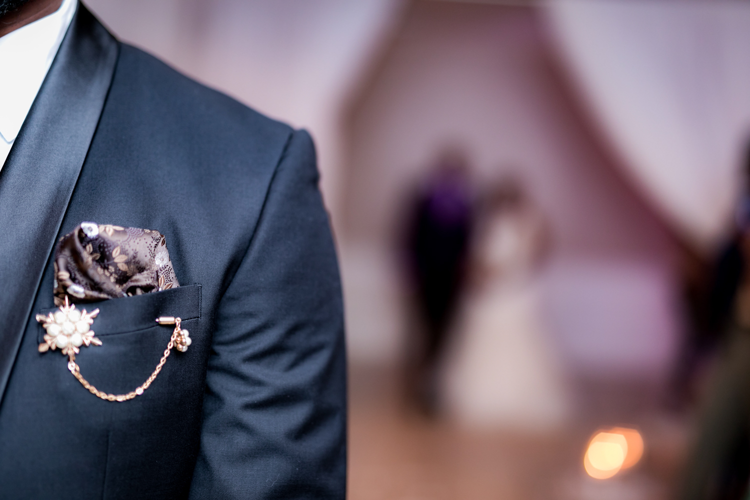 Unique groom boutonniere.