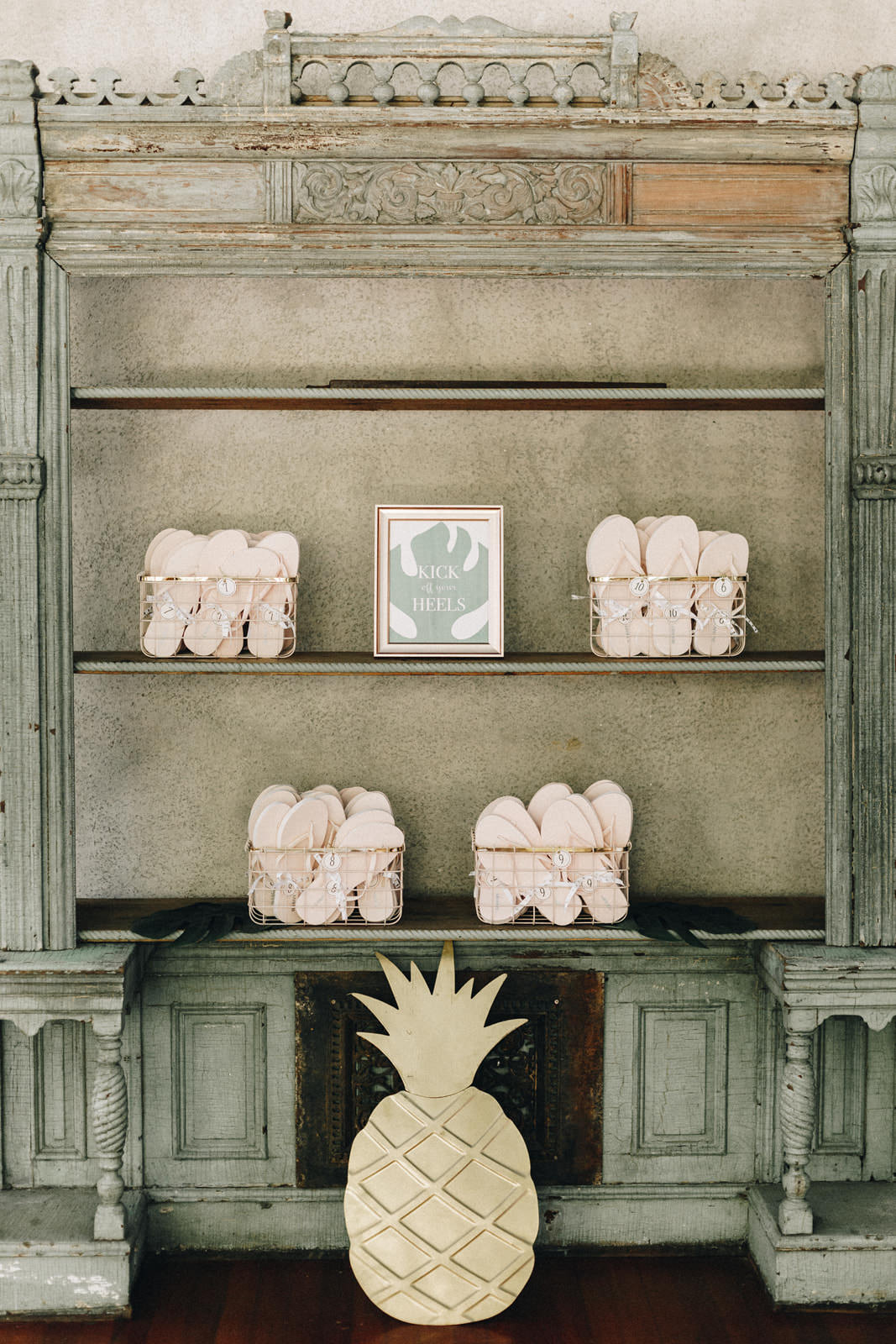 blush flip flops used as wedding favors.