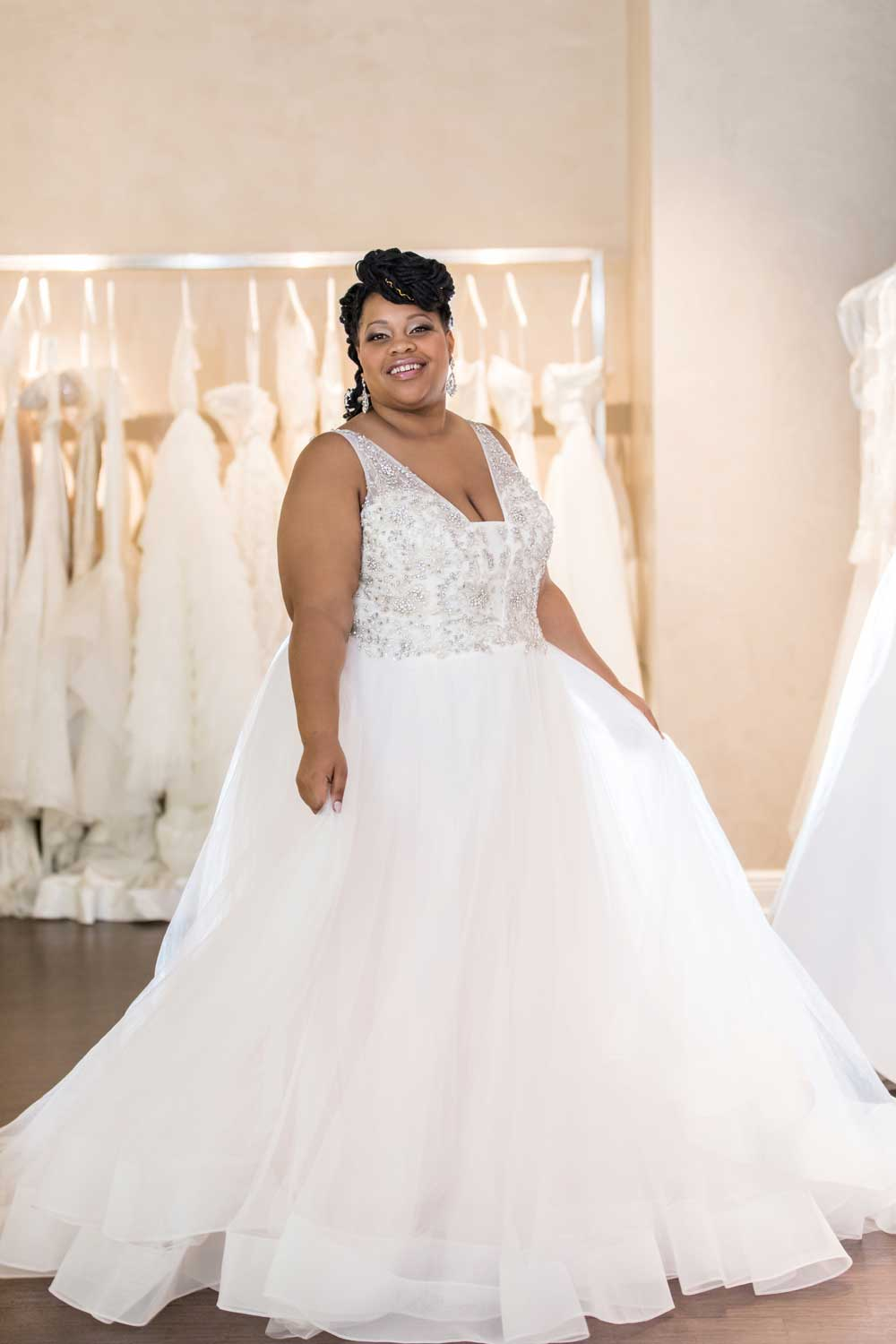 plus-size bride having the best wedding dress shopping experience